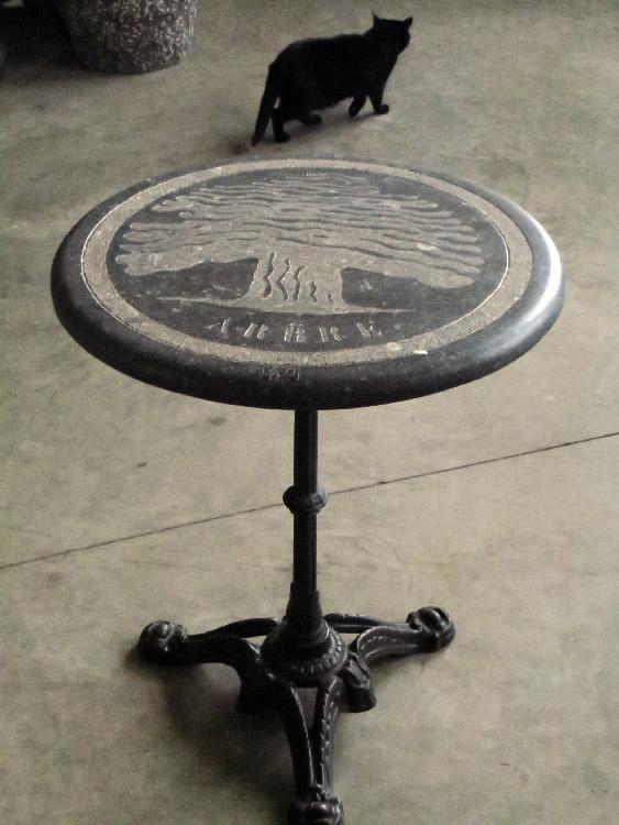 Table de bistrot pied fonte plateau ch ne 60 vendu - Table de bistrot occasion ...