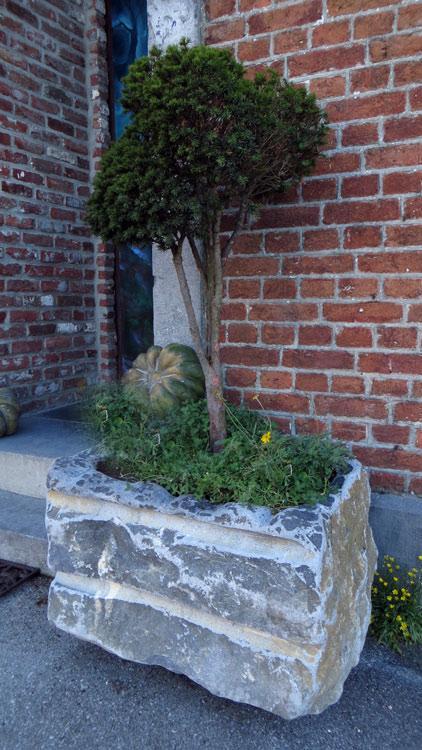 Philippe Ongena - Sculpteur sur pierre : jardinières en pierre bleue