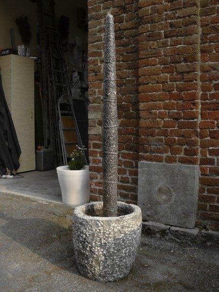 Philippe ongena fontaines totems en pierre bleue for Fontaine exterieur en pierre